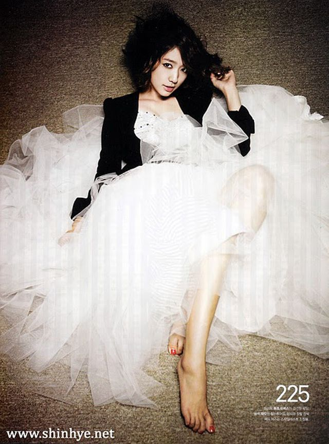 Park Shin Hye For Nylon Korea Couch Kimchi